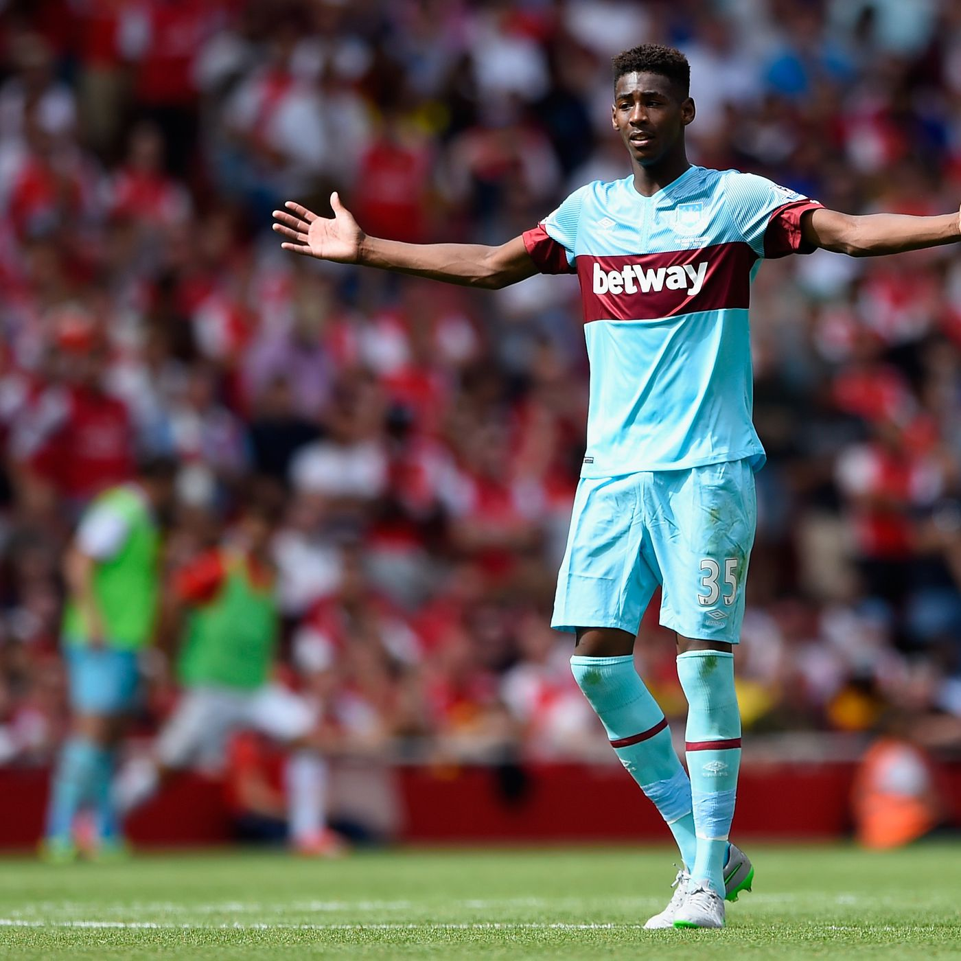 tien ve tre phong ngu hay nhat the gioi - Reece Oxford